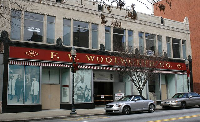 640px-Former_Woolworth_store_in_Greensboro,_NC_(2008)