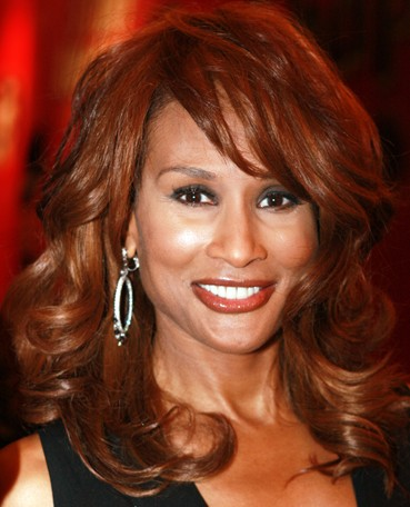 2007_Beverly_Johnson_(cropped_to_collar)