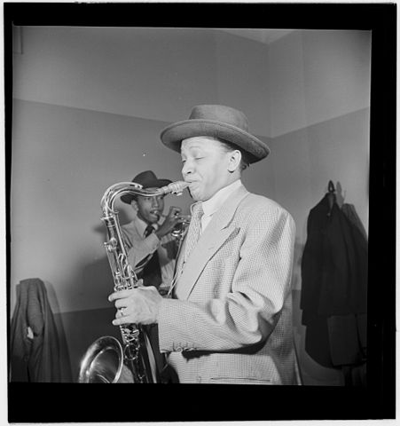 451px-Illinois_Jacquet,_New_York,_N.Y.,_ca._May_1947_(William_P._Gottlieb_12581)
