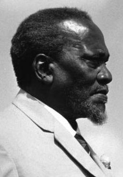 Jomo_Kenyatta-3