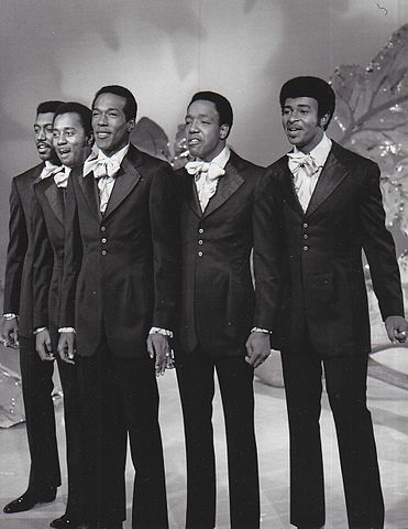 371px-The_Temptations_on_the_Ed_Sullivan_Show-2