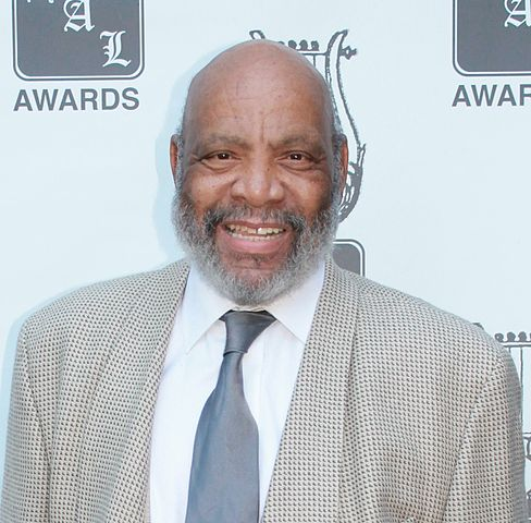 488px-James_Avery_HAL_Awards_(cropped)-2