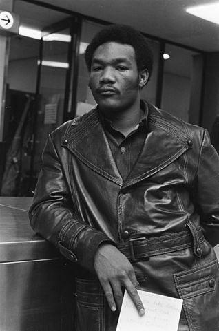 318px-George_Foreman_1973-4