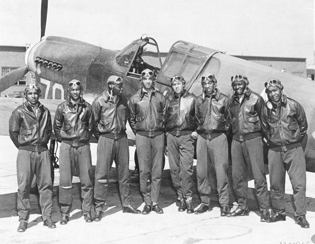 619px-Tuskegee_Airmen_-_Circa_May_1942_to_Aug_1943-2