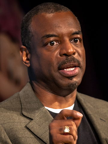 360px-Levar_Burton,_Disney_Social_Media_Moms_Conference_2014,_2-crop-2