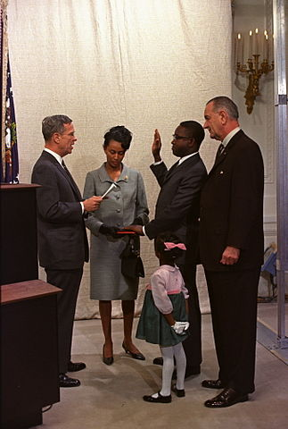 323px-Andrew_Brimmer_Swearing_In-2