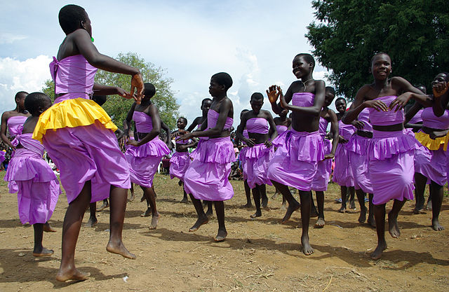 640px-Cultural_celebrations_resumed_with_the_end_of_the_LRA_conflict_in_Northern_Uganda_(7269658432)-2