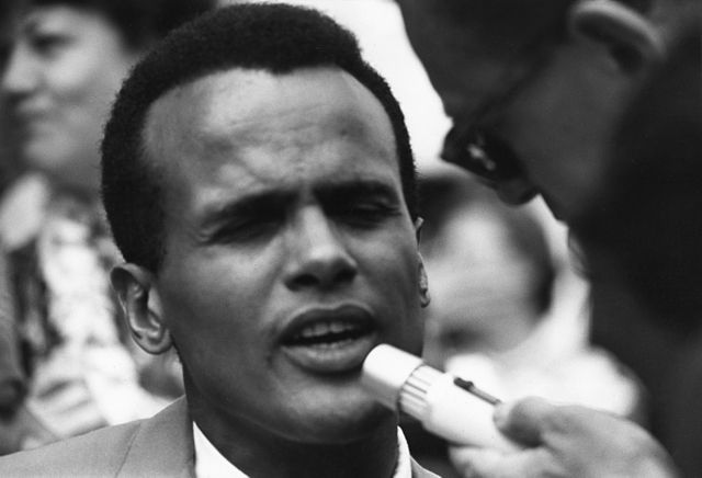 640px-Harry_Belafonte_Civil_Rights_March_1963